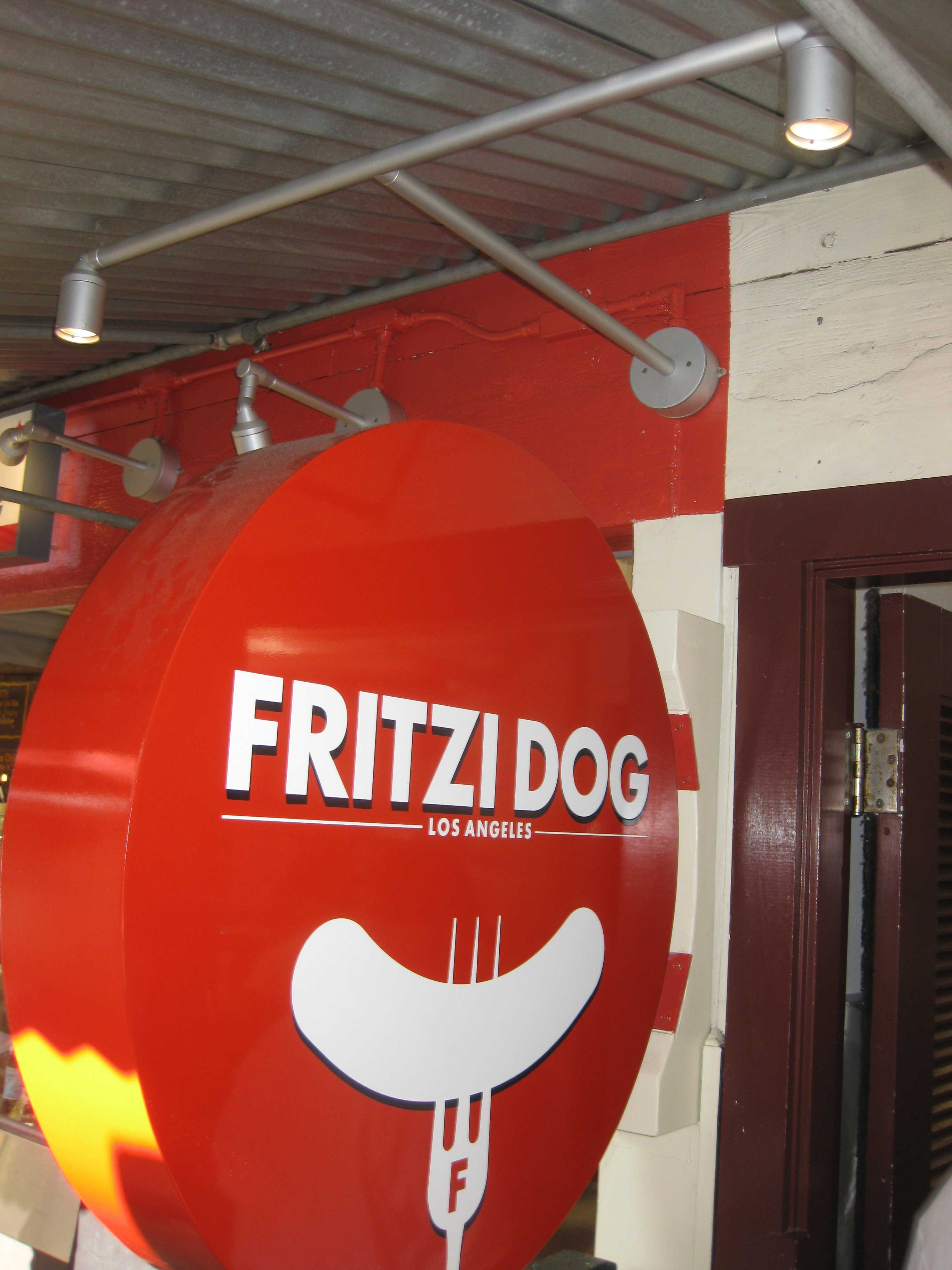 Fritzi Dog – Los Angeles